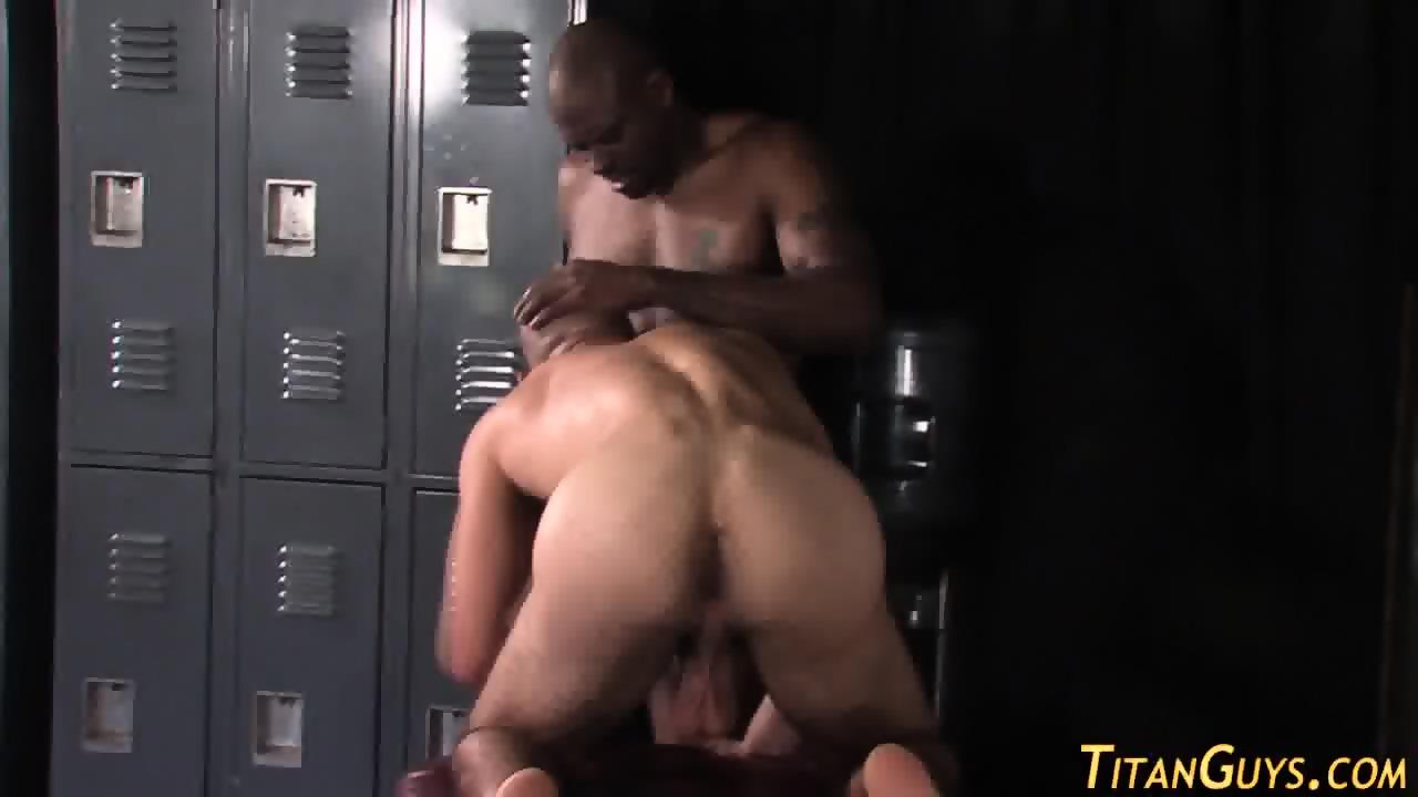 gay sucking bbc