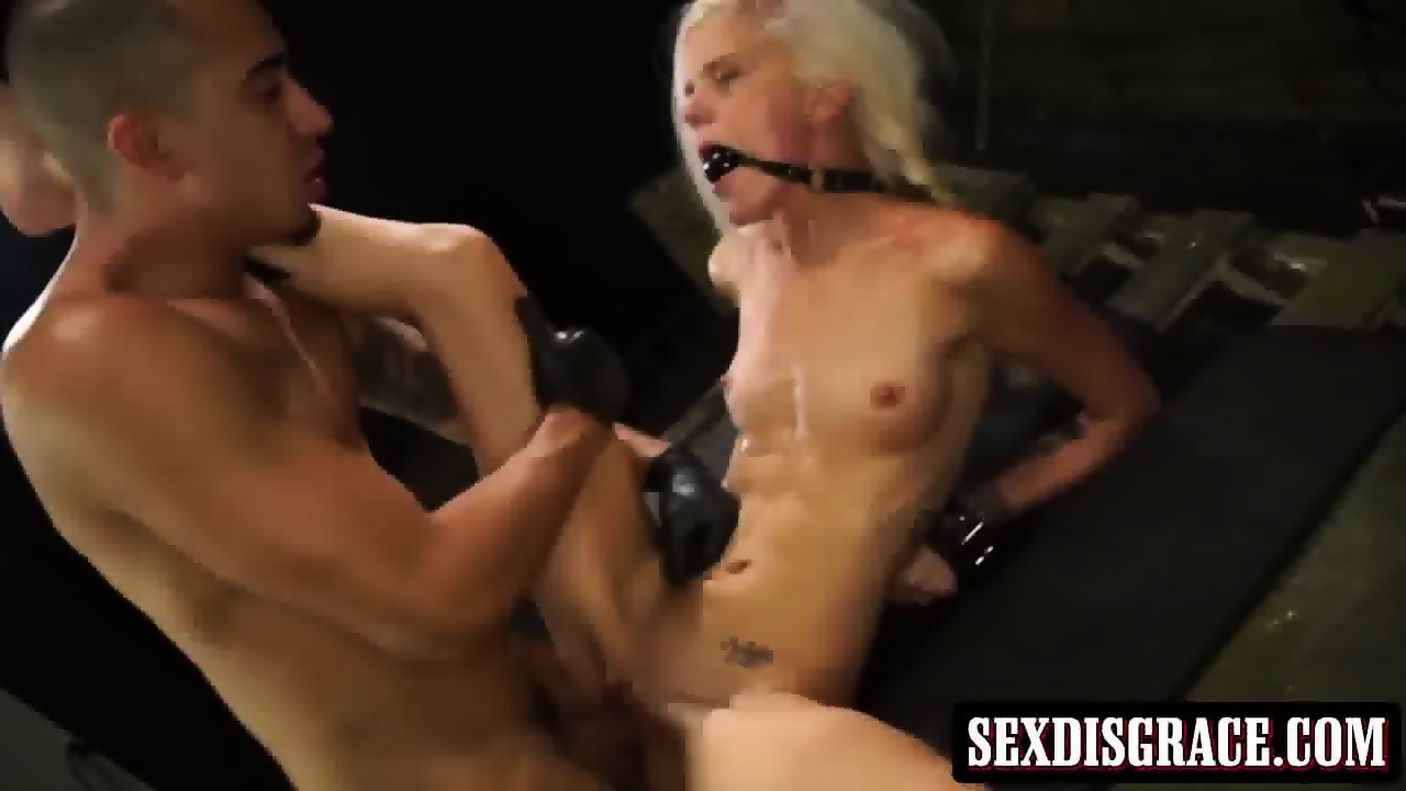 Halle von with ponytails enjoys in hot bondage sex action 10