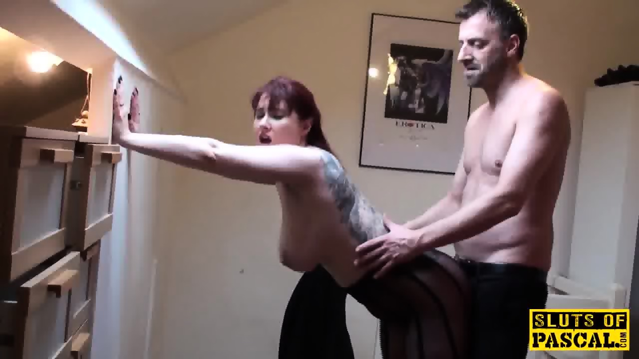 Spanked brit submissive in chokeplay 8