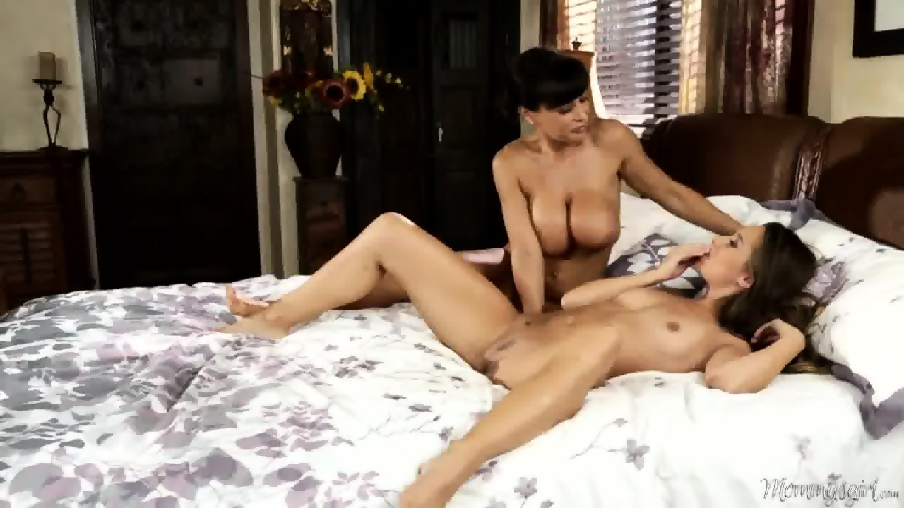 Allie haze and mercedes carrera at mommy039s girl - 1 9