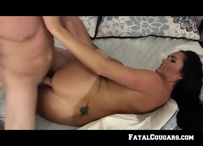Hot milf squirting