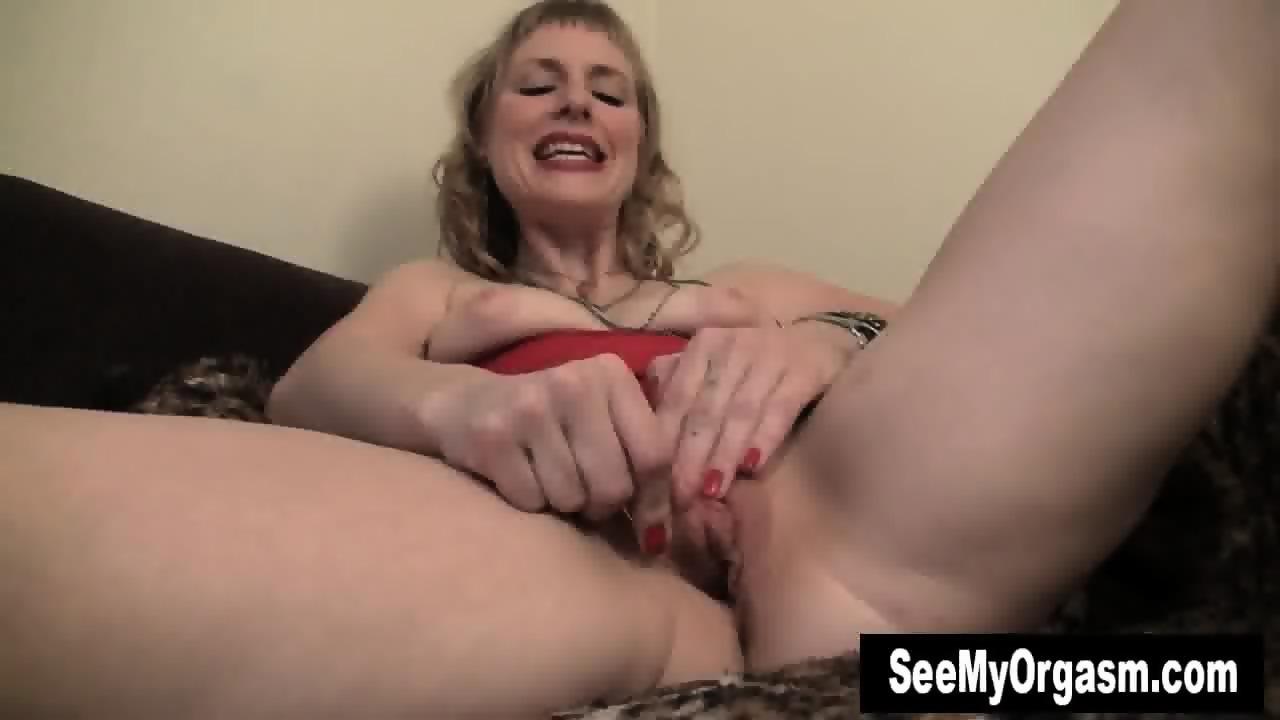 Busty kolie rubbing her pussy - 2 part 5