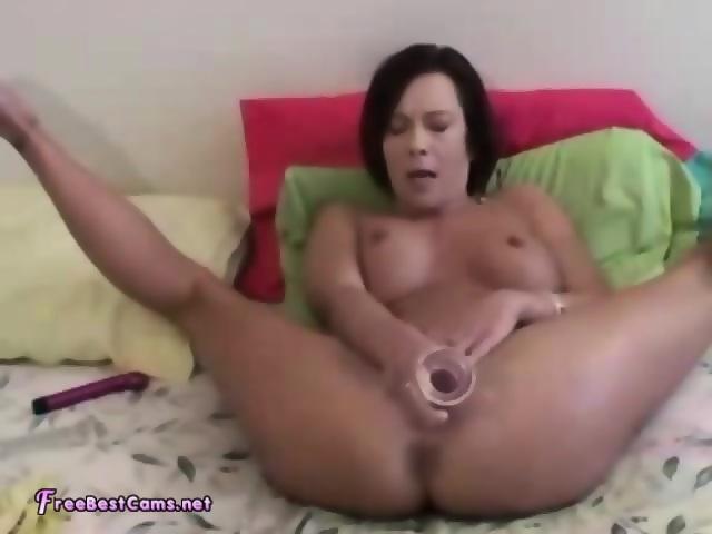 female-orgasm-video-squirt-amateur-centerfold-free-hustler