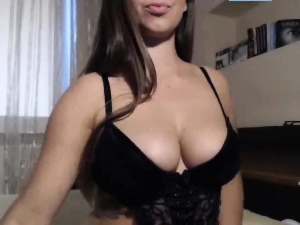 Hot Teen Girl Having Orgasm On Webcam - EPORNER