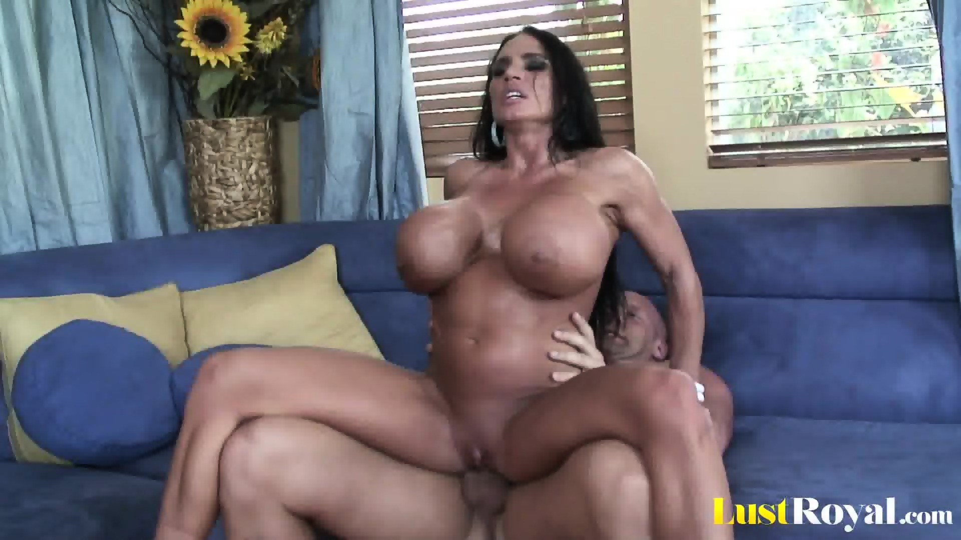Extremely busty mommy lisa lipps loves to bonk 9