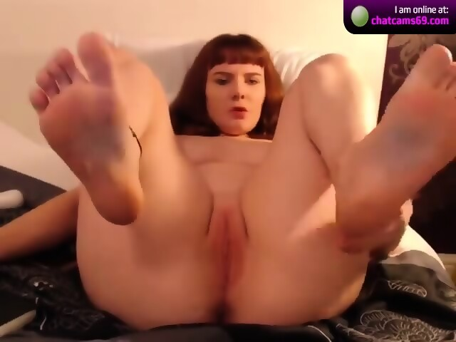 Sexy bbw bare feet and soles