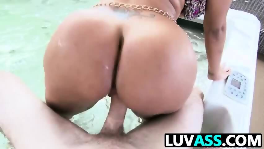 Big booty colombian paola