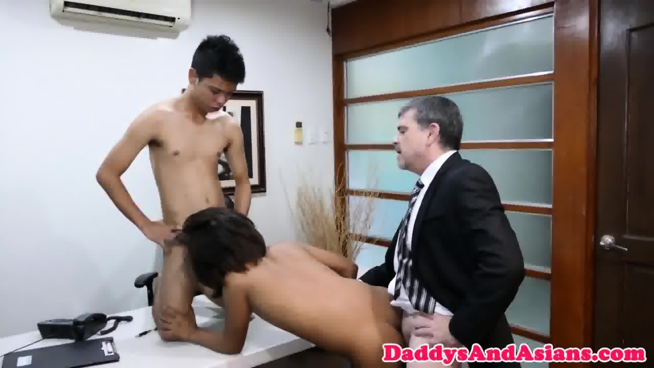 Pinoy Twink Sixtynines With American Dilf