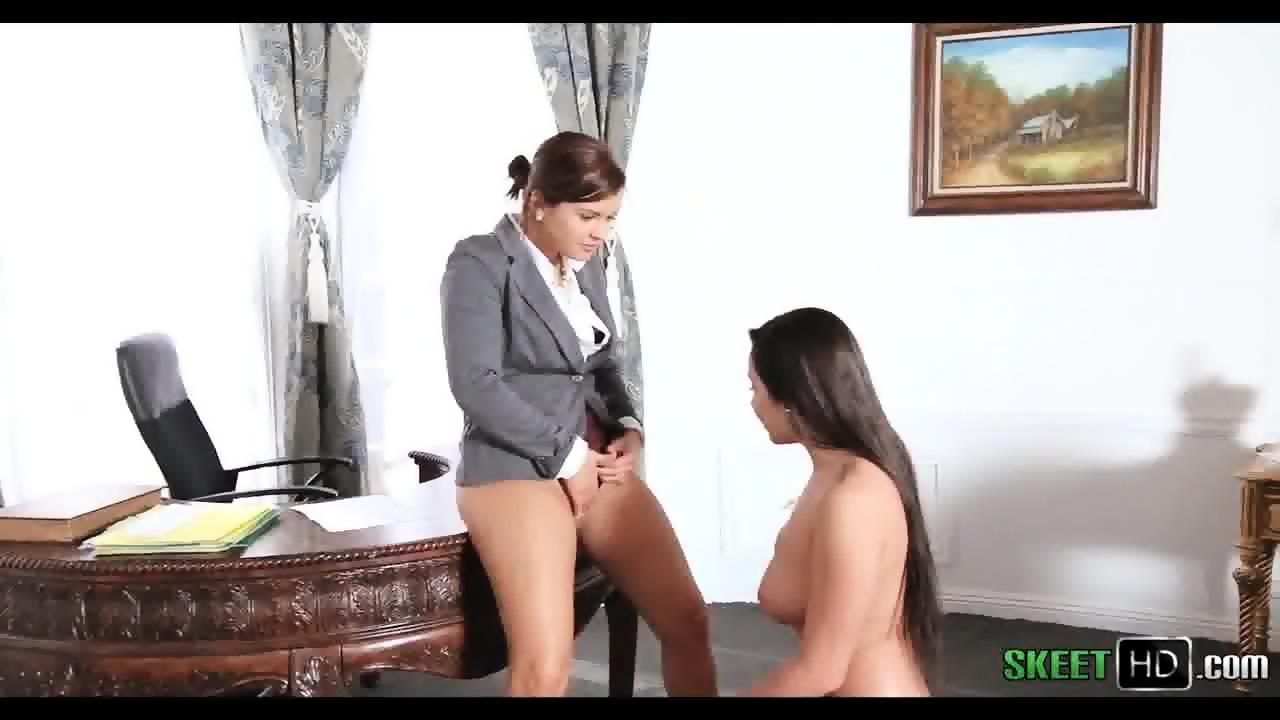 Express secretary spanked by her boss