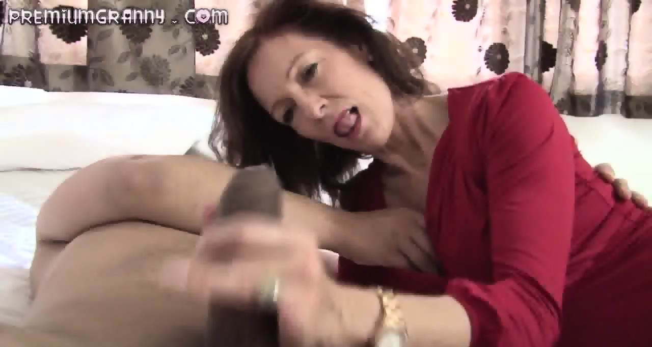 64 old senior fucks young assistant in the medical cabinet - 1 part 5