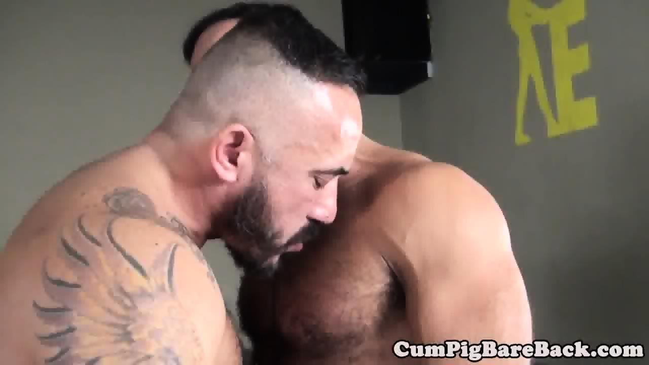 Raw fucked dude cumshot