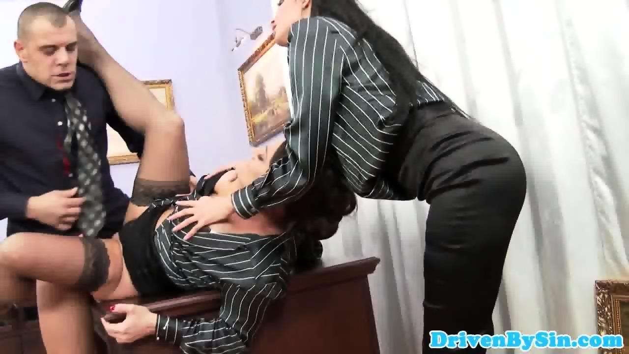 Vidéos porno récentes. Candy Alexa, russe BBW babe, bénéficie dMMF trio.