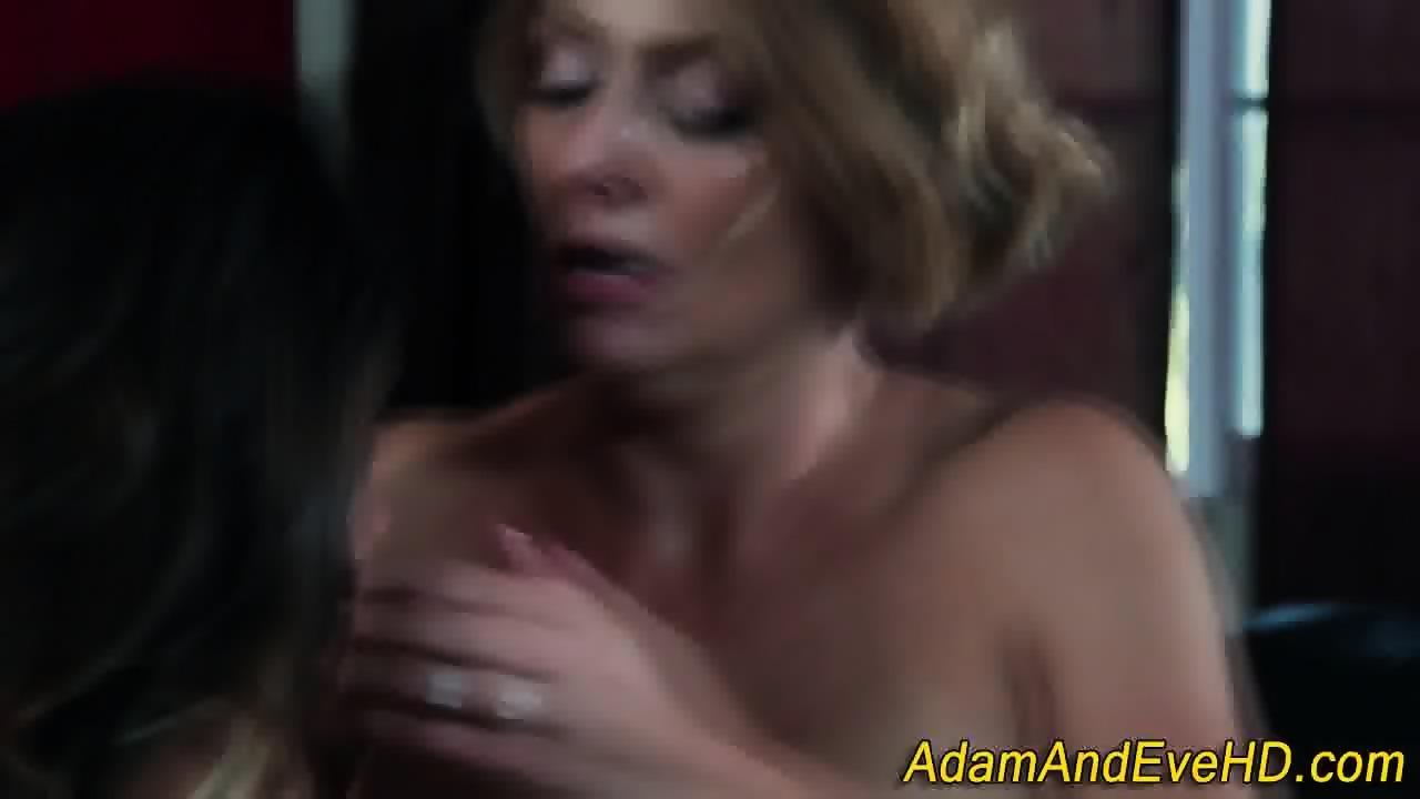 Lesbian Face Strapon Bondage