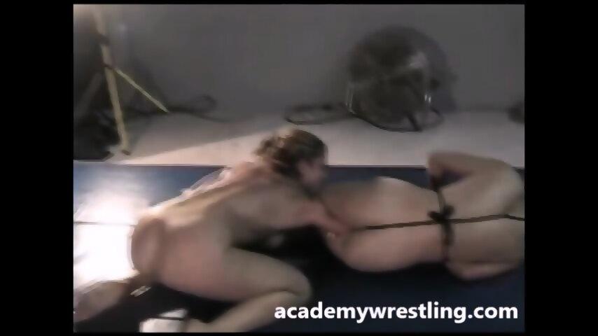 Lesbian pussy pissing