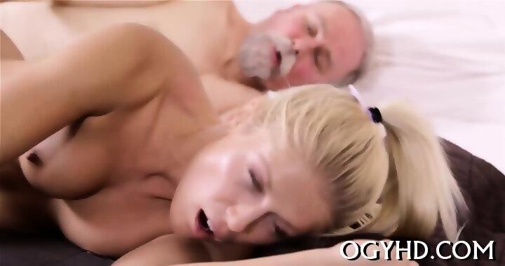 Athletic men sucking cock