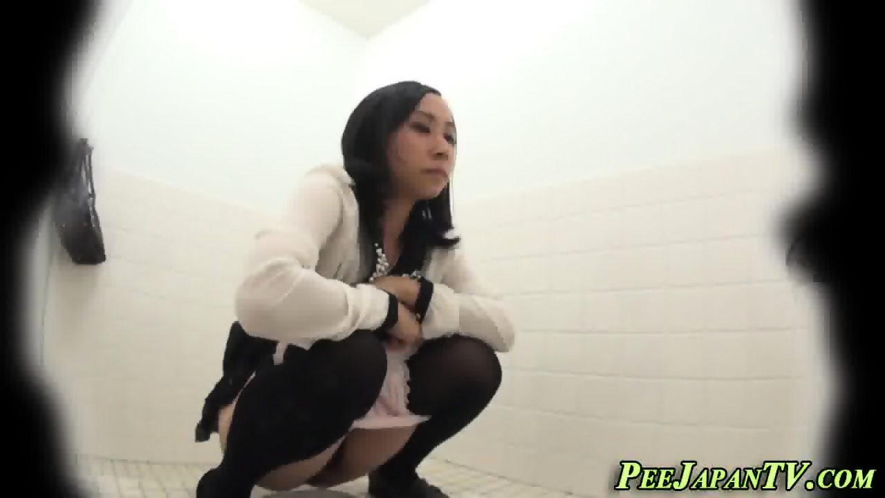 Better free peeing asians
