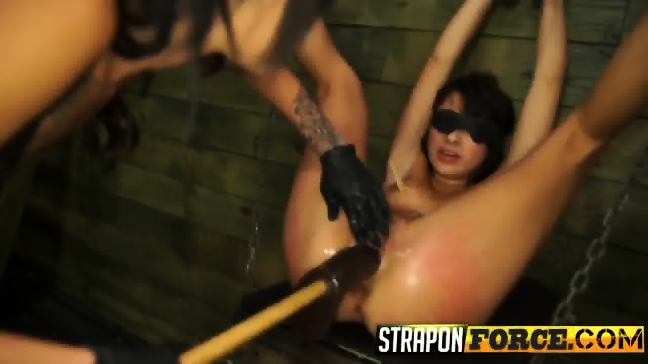 lucy-gets-fucked-by-enormous-dildo-tied-bed