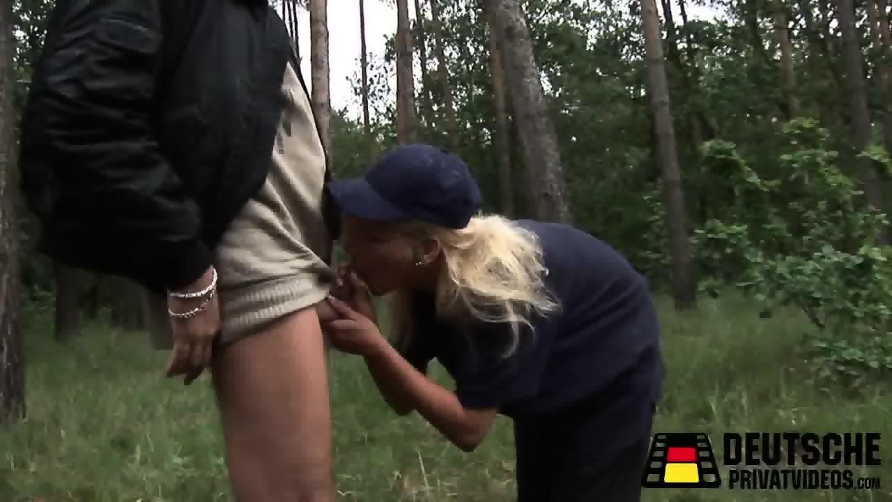 Gratis Porrvideo, Hot Sexig Milf Gillar Stora Djupa Halsen Stora Kuk Blowjob Svälja.