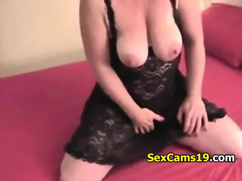 Mature huge clit big tits on cam,  from sexcams19
