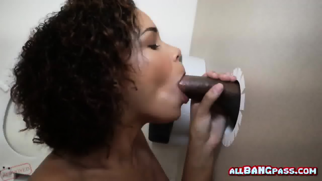 Com pays free ebony glory hole body