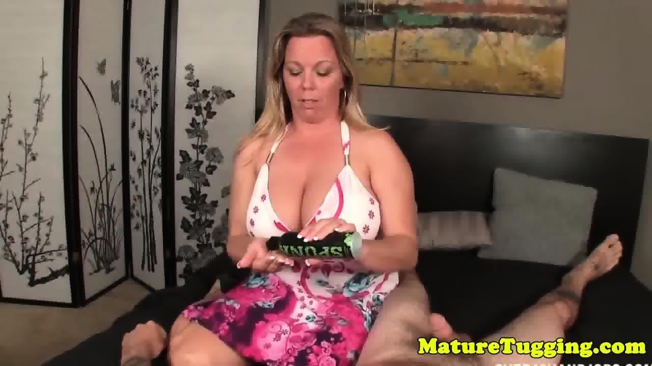Wife masturbating to porn magazine