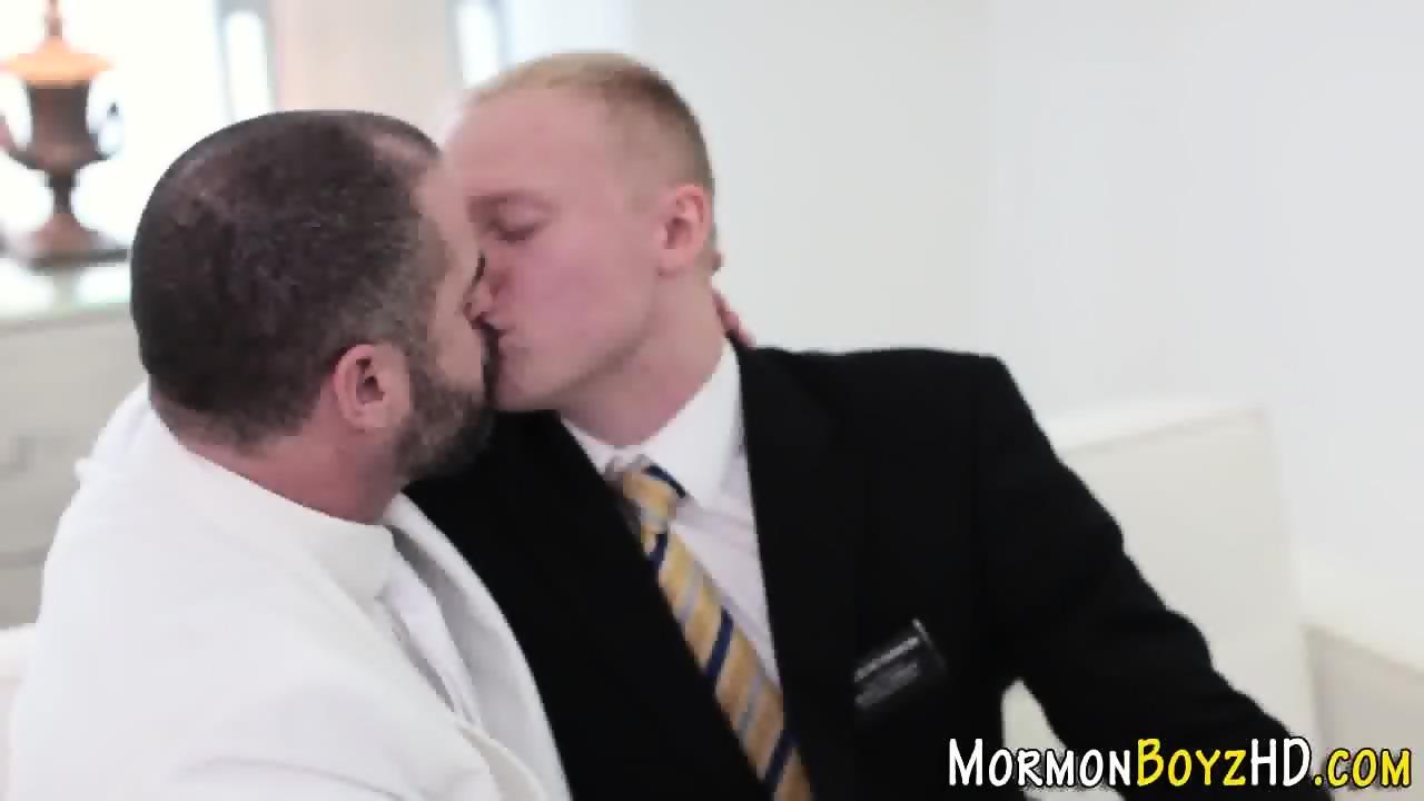 Mormon bear cums tugging