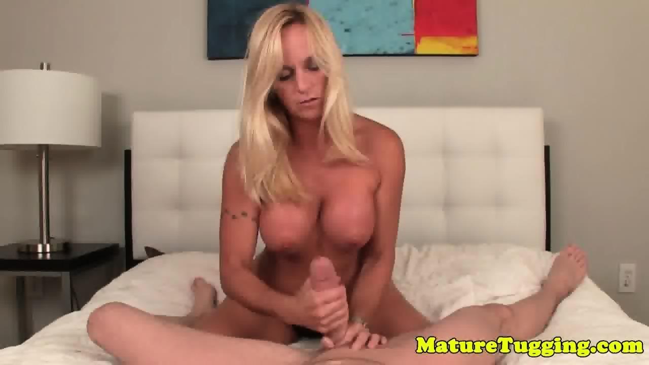 laura prepon naked boobs