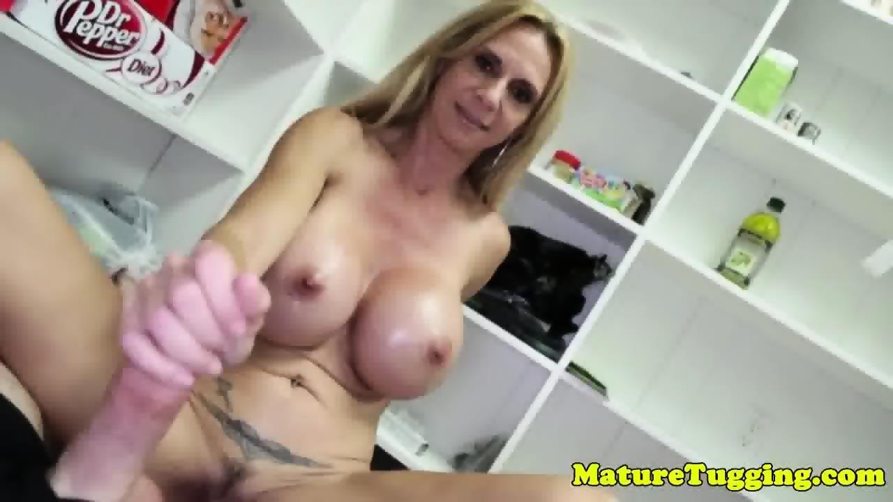 Mature Booty Amateur Latina