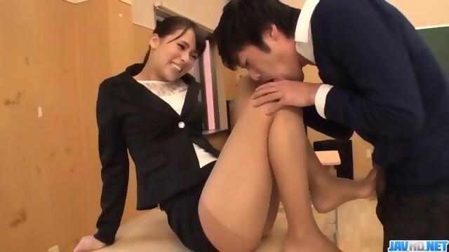 Pussy shoot yong girl