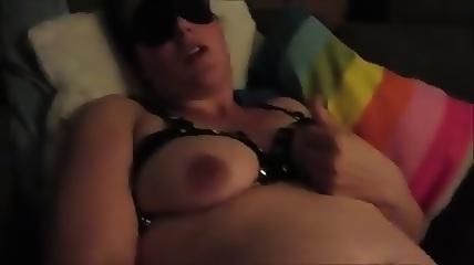 Schwangere Schlampe beim Dirty Talk