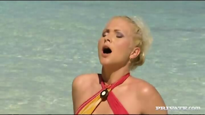 Kathy Anderson Goes Wild On A Tropical Beach…