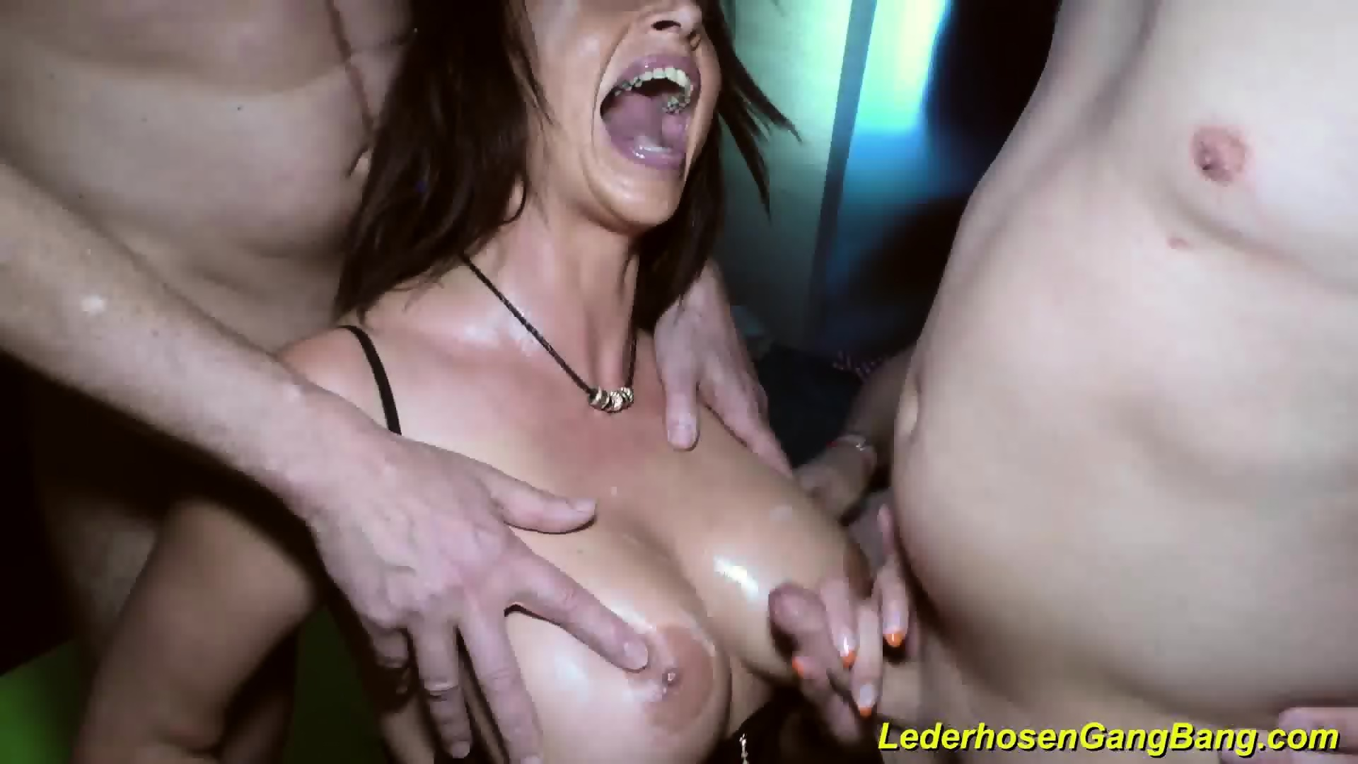 Black chick wants to creampie fuck
