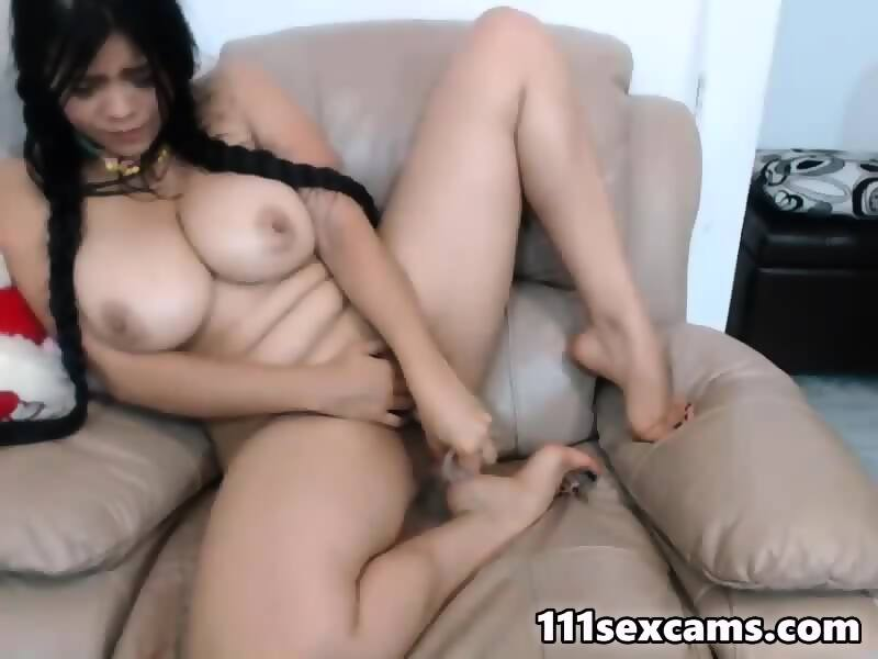 Amateur latina huge tits