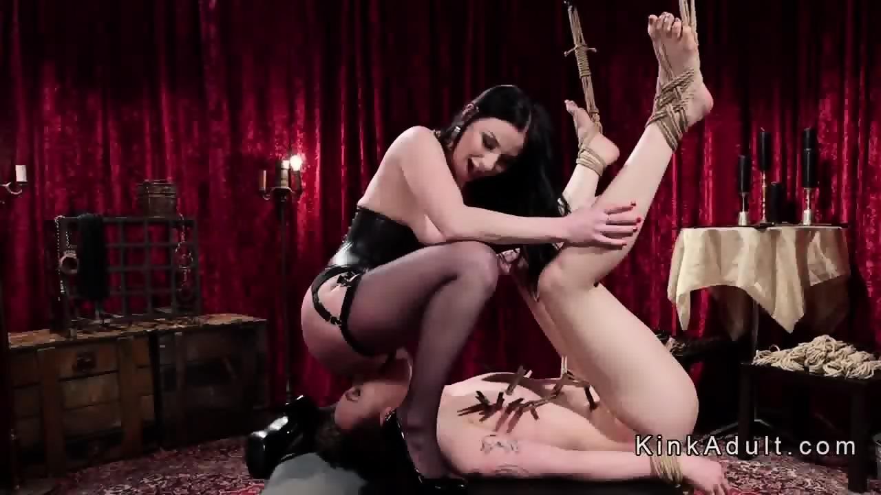 Lesbiche sesso slave foto