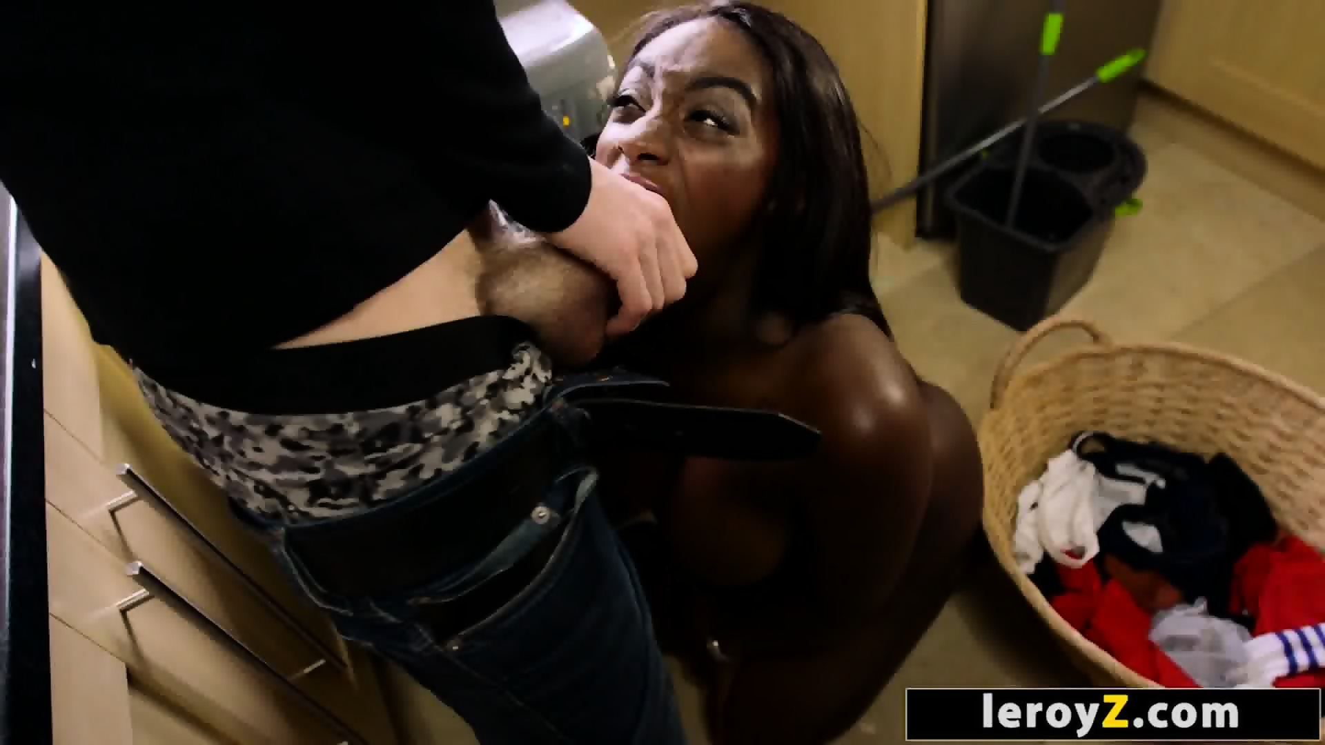 Ebony Sucking Big White Dick - Ebony pornstar Jai James Sucking a Big White Cock - EPORNER