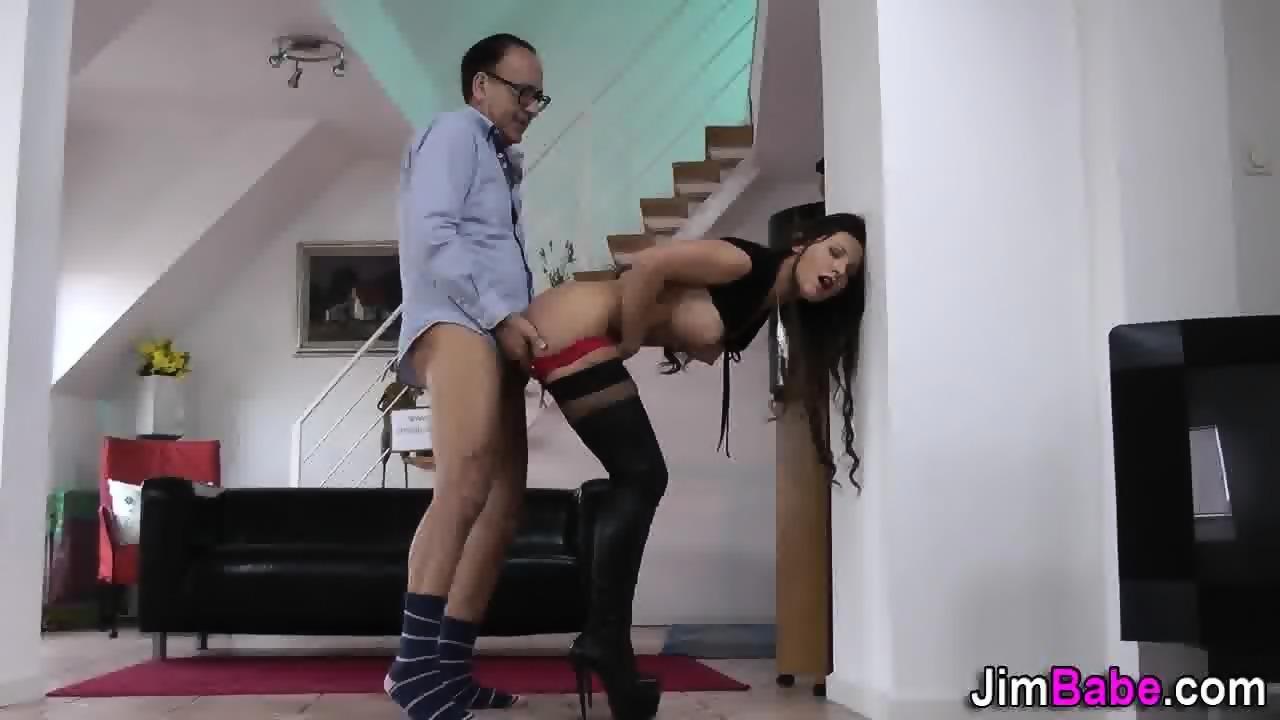 Ролик сашко билый с каблуками проституток