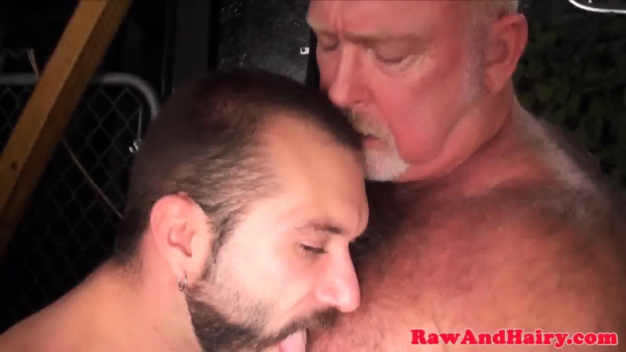 Polar bear fingerfucking tight cub ass