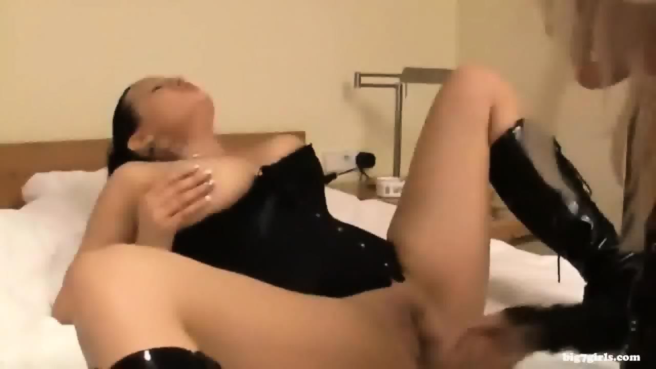 Alyssa milano naked picture