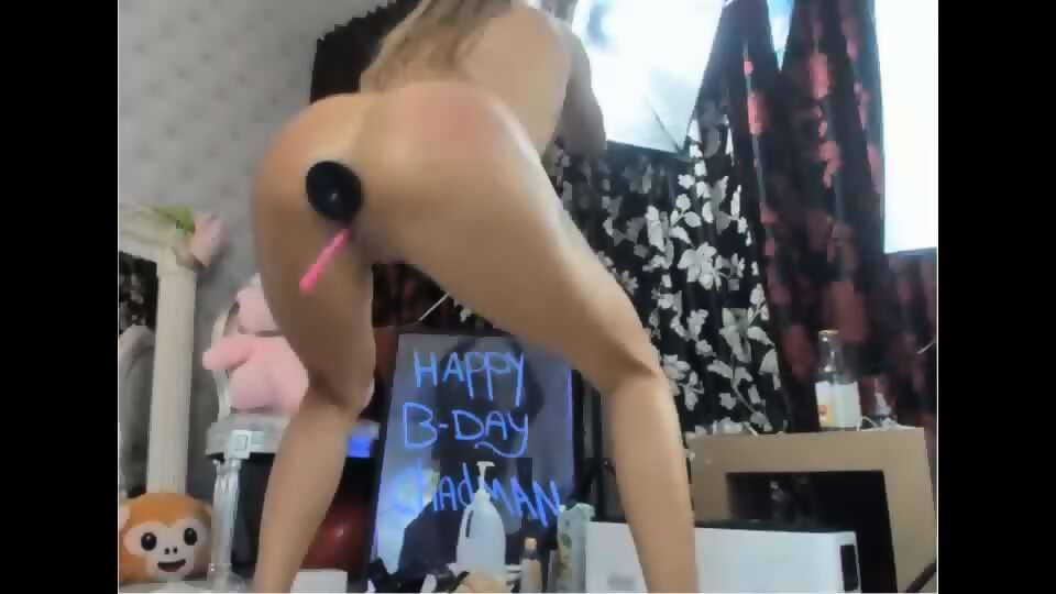 Hard Toy Fuck Slut Part 1 - Part 2 on RexxCams.Com - scene 4