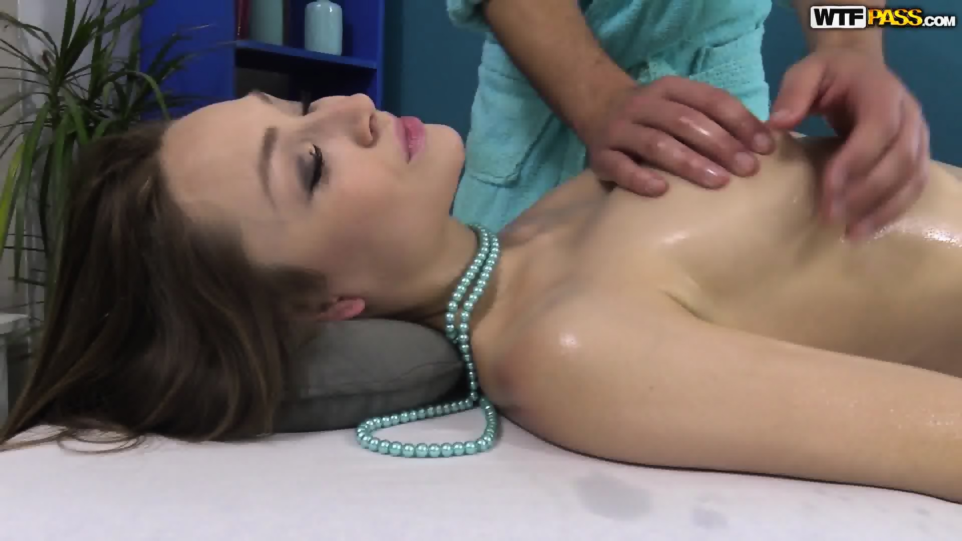 Sensual Massage Turns Into Nice Sex Scene 6