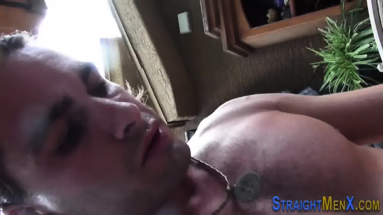 Hung solo straighty cums