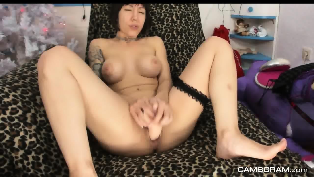 she eats black pussy