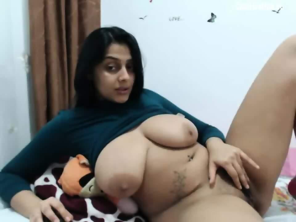 Desi huge tits