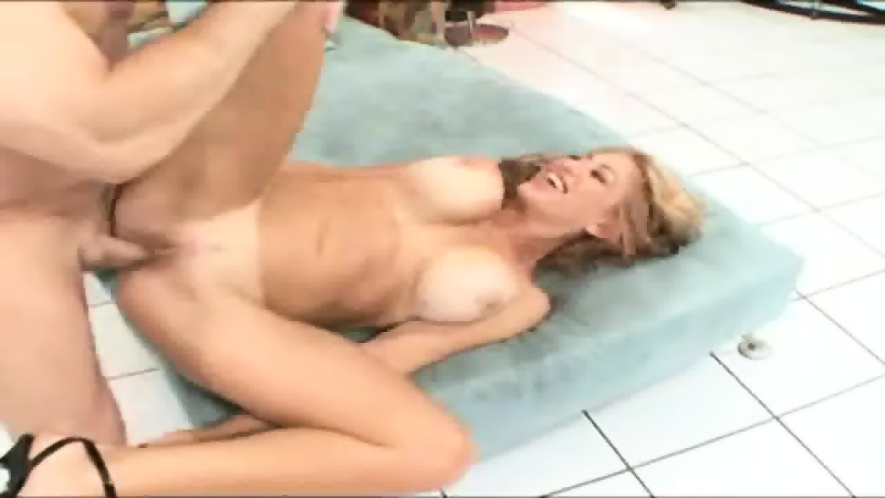 Squirt While Fucking Milf