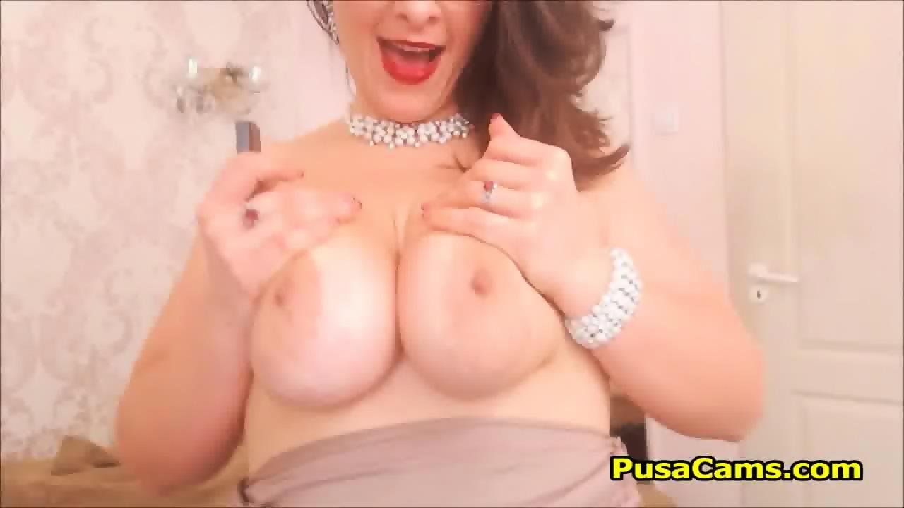 Nude male masturbate