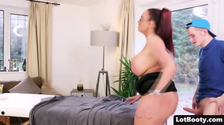 Fat Ass And Huge Tits Cougar Emma Butt Gets Massage Scene 9