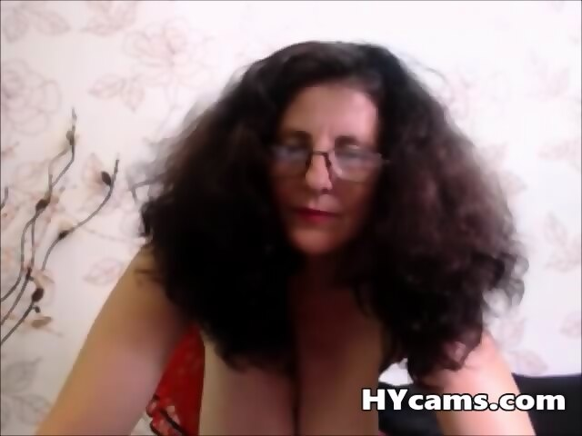 Mature With Big Breast Stripping On Webcam - scene 3