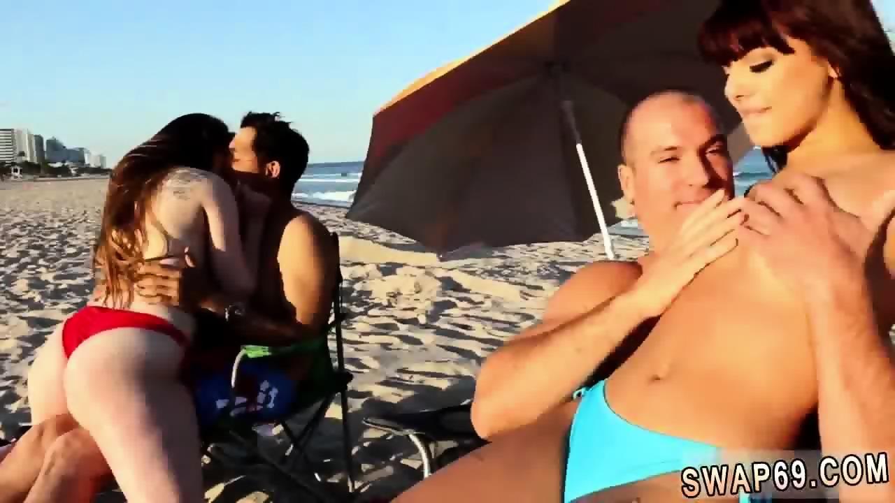 Fat man and woman kissing naked
