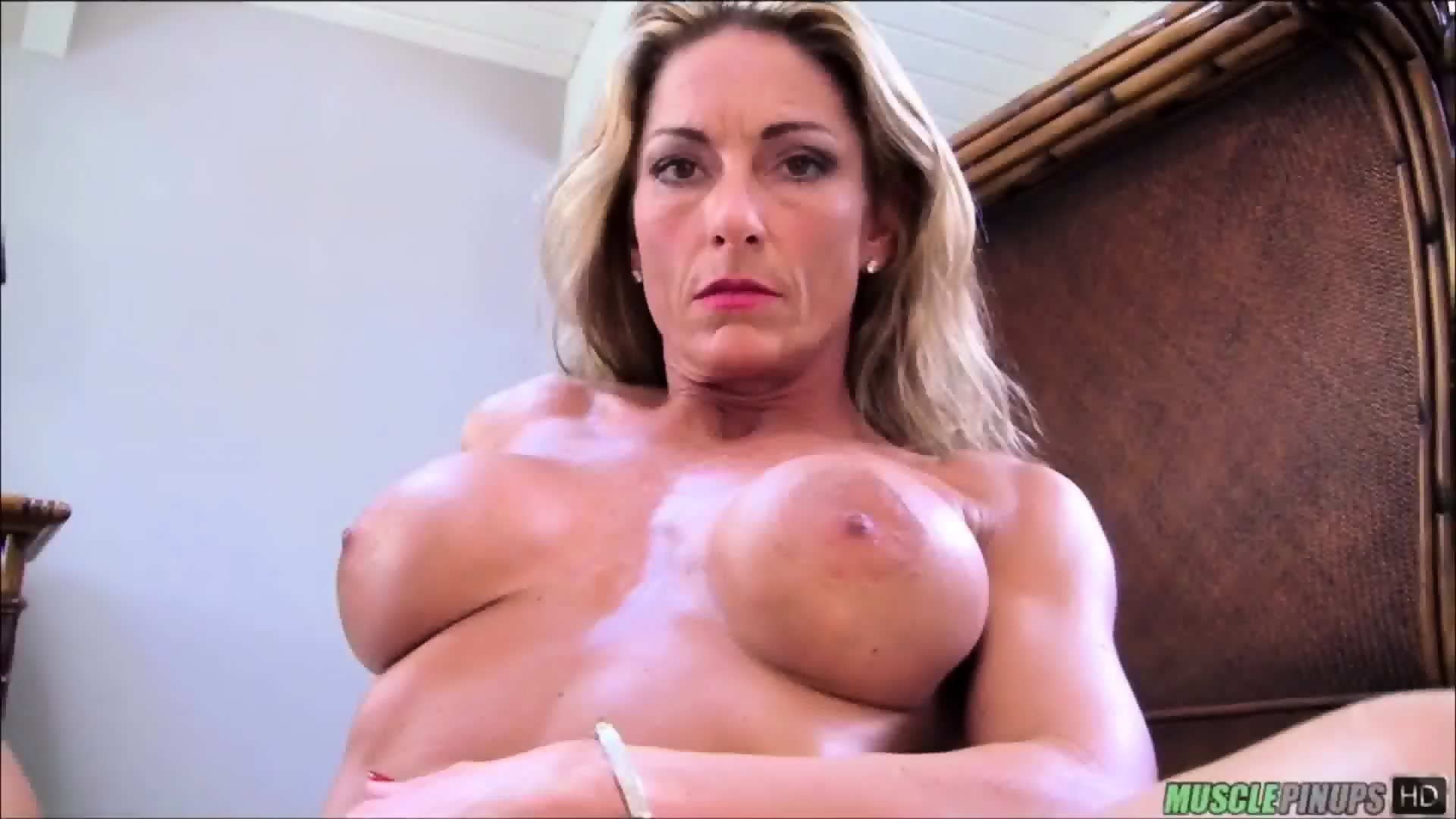 milf muscle hot nude