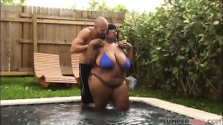 Sexy black bbw dippd n redd poolside